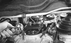 как зафиксировать коленчатый вал двигателя от проворачивания на киа спектра